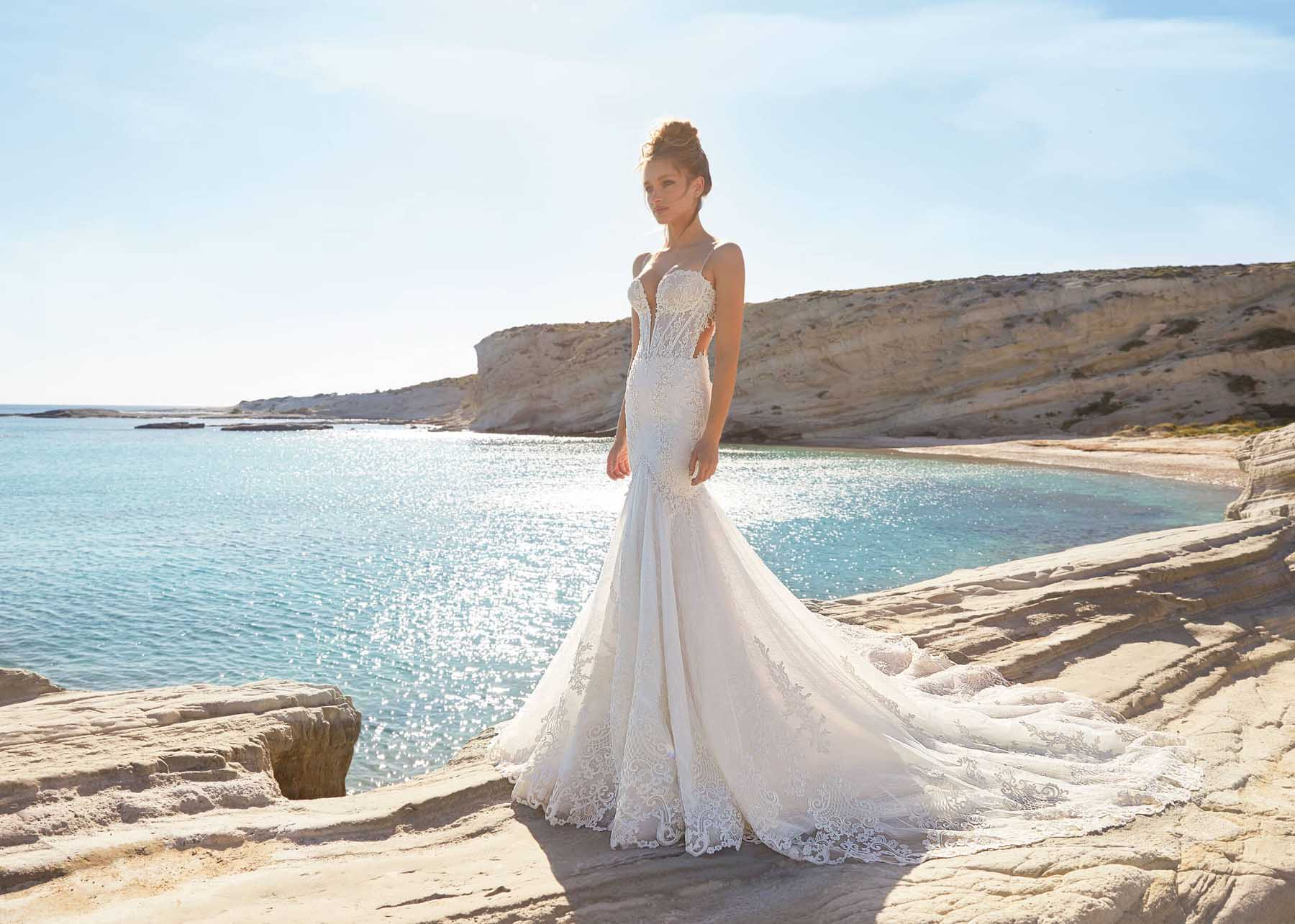 5 Wedding Dress Silhouettes (and What You NEED to Know About Each)